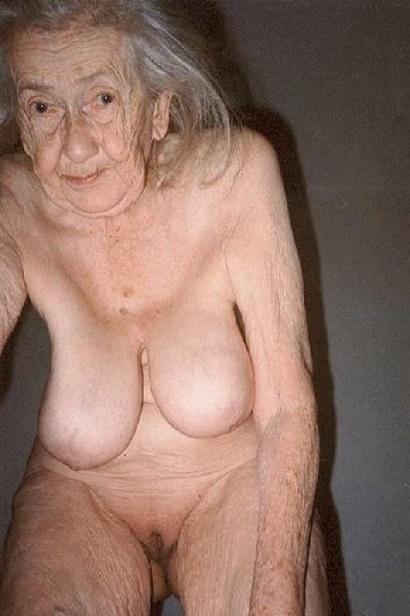 фото старуха голая